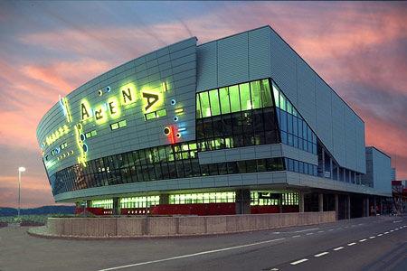 Inaugurée le 1er novembre 1995, Geneva Arena est la plus grande salle polyvalente de Suisse Romande et de France voisine