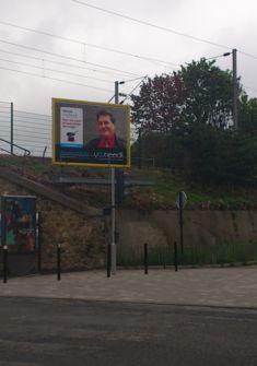 Affiche de pub en 4/3 diffusée dans les grandes villes de France pour vos réservations. YannickMagic