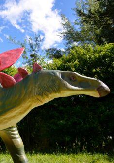 Dinosaures à Villeneuve Zoltan Prin
