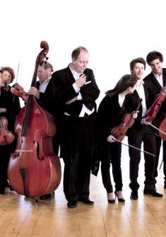 Orchestre ds Pays de Savoie avec N. Chalvin, chef d'orchestre