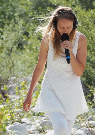 La chanteuse Emilie Vuissoz