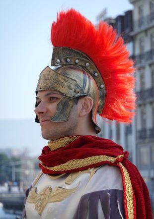 Appelé par les Allobroges, César fait face à la migration Helvète