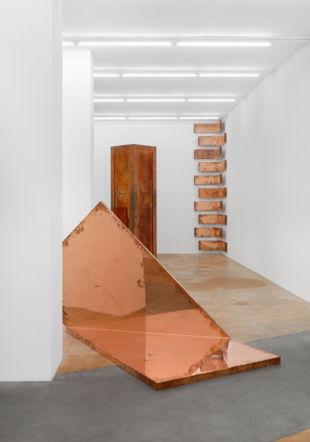 Vue d'exposition de Walead Beshty au MAMCO Annik Wetter-MAMCO Genève