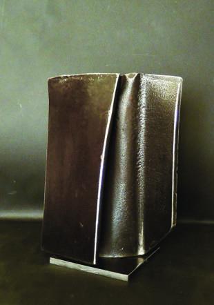 """Vestige"", H: 45cm, acier"