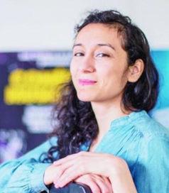 JOHANNA HERNANDEZ  Violoniste, chef de chœur et chanteuse lyrique.