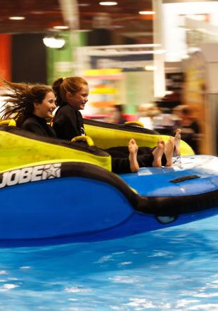 Sport nautique dans le bassin du Comptoir 180°