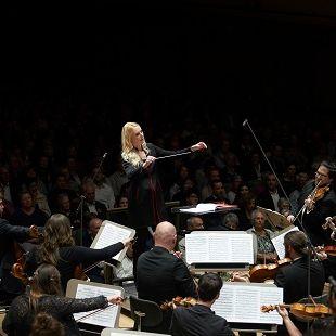 Swiss Orchestra avec Lena-Lisa Wüstendörfer Dominik Büttner