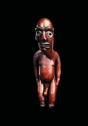 Statue moai miro de Rapa Nui (île de Pâques) ayant appartenu à Jacob Epstein, conservée au musée Barbier-Mueller. Photo Studio Ferrazzini Bouchet. musée Barbier-Mueller