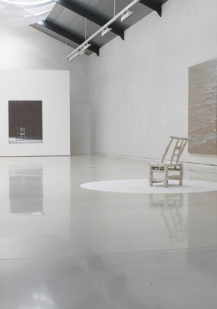 Vue de l'exposition Mingjun Luo - En scène au Musée jurassien des Arts – Moutier, photo : Mingjun Luo