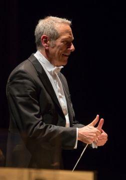 Arie Van Beek, directeur artistique & musical