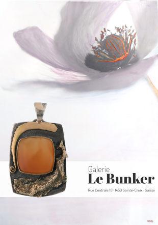 Pendentif Chmetz sur photographie monotype de Grégoire Boulanger Galerie Le Bunker