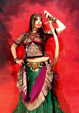 Cristina Farawla - Fusion avec sabre