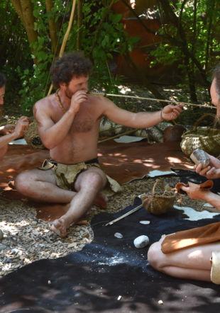 scène de vie paléolithique village lacustre
